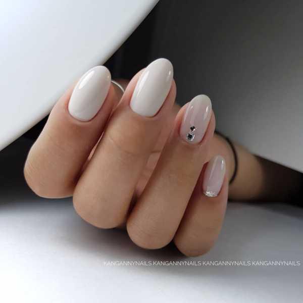 Гель Лак Лунный Маникюр Фото Короткие Ногти